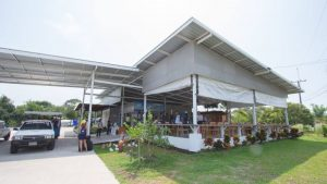Boonsiri restaurant and ticket office at Laem Sok pier